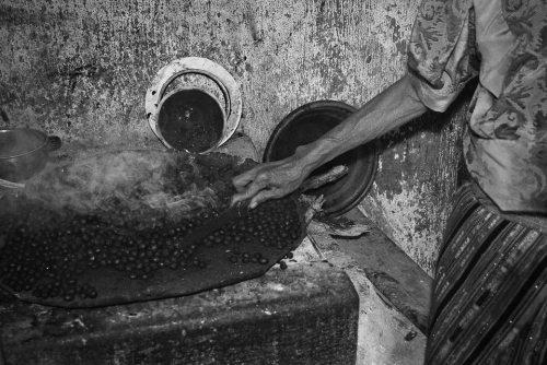 roasting-coffee-beans-fran-antmann